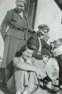 Maggie Laubser standing with hand on Johanna Wicht's shoulder.