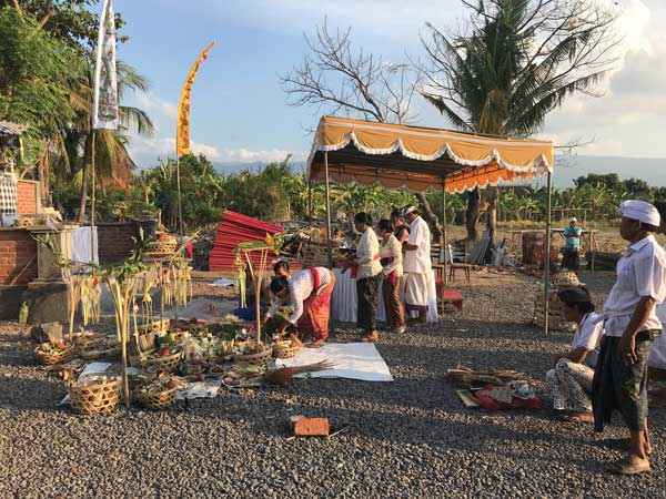 Art activism Bali Gong Laut