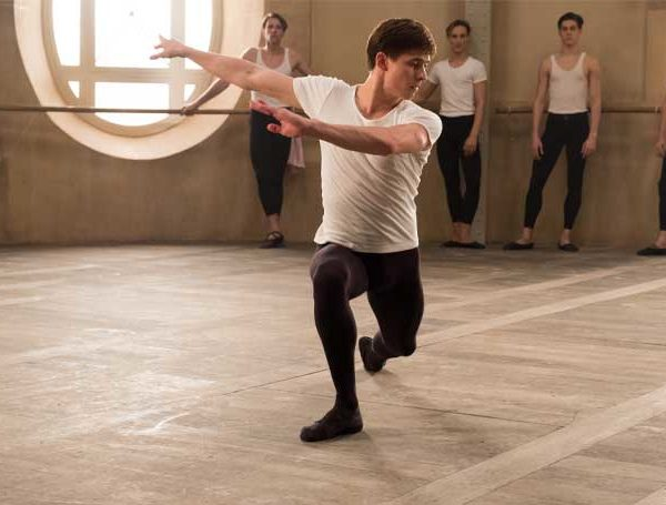 White Crow ballet movie film Cinema Nouveau Filmfinity