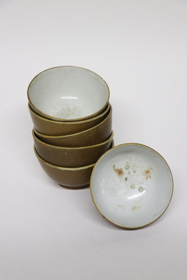 DITSONG Ceramics Collection HG 60956/1-6: Batavian style tea bowls probably from the Middelburg shipwreck