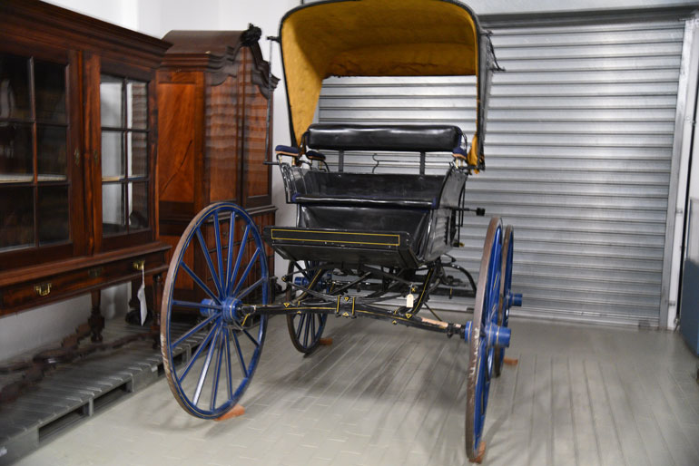 spaider or phaeton horse drawn vehicle history of transport