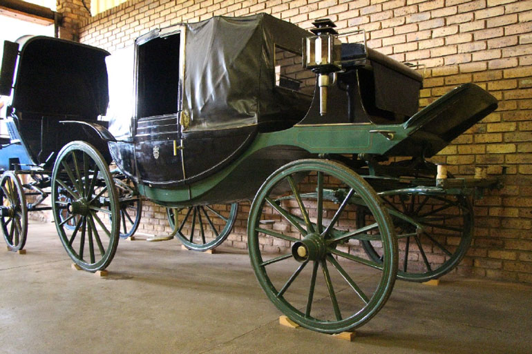 DITSONG Museums of South Africa history of transport animal-drawn vehicle