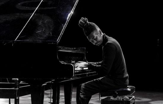 Zibusiso Makhathini pianist AfriCanva virtual concert