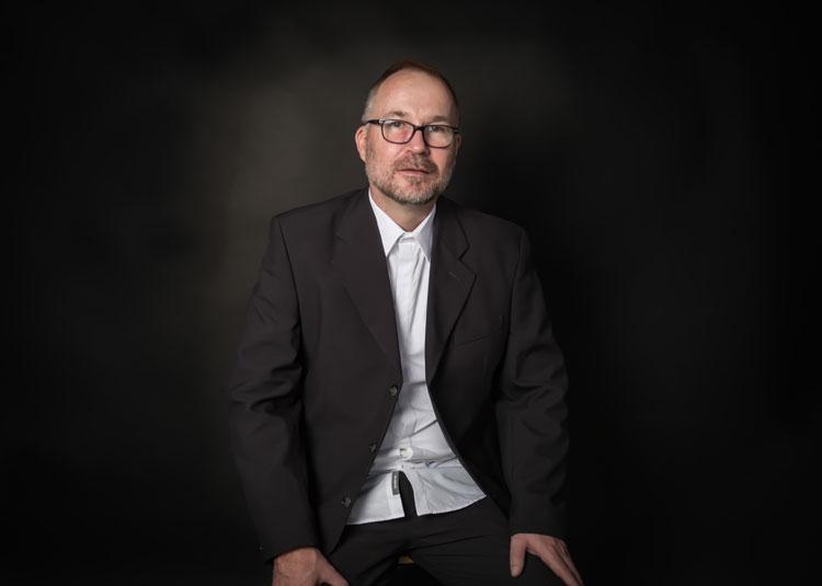 Paul Bayliss Specialist Art Curator